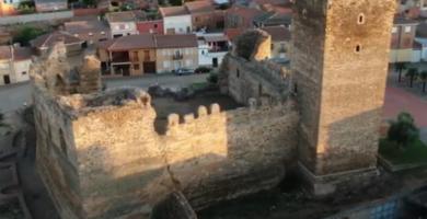 Castillo Laguna de Negrillos